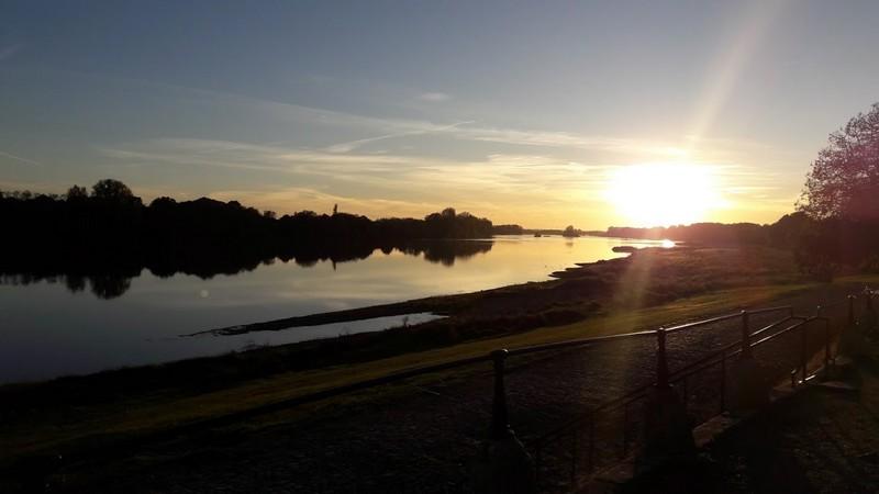 coucher de soleil au port de Châteauneuf-sur-Loire