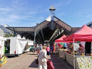 marché le vendredi matin à Châteauneuf-sur-Loire