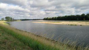 sur la levée de la Loire
